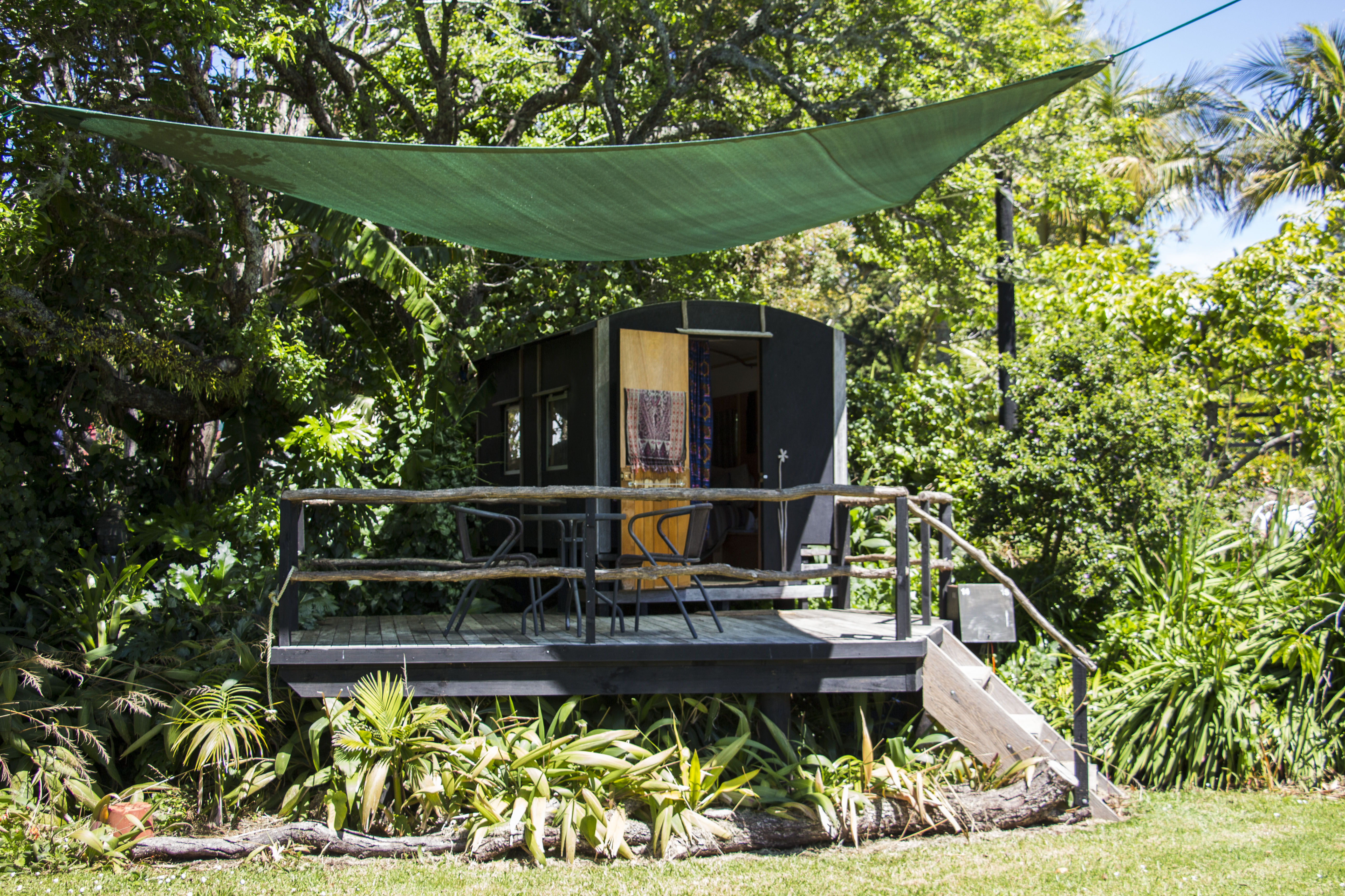 romantic glamping getaways for couples from 80 per night. Black Bedroom Furniture Sets. Home Design Ideas