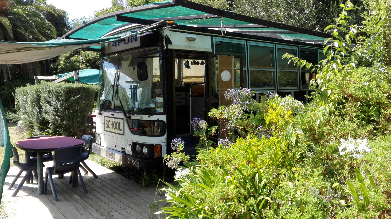 Glamping Bus External
