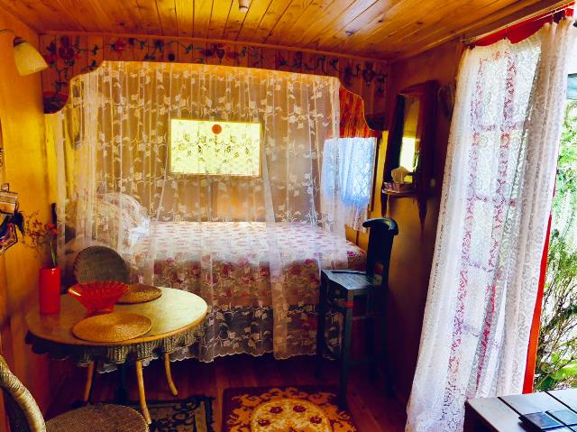 Gypsy Caravan 1 internal